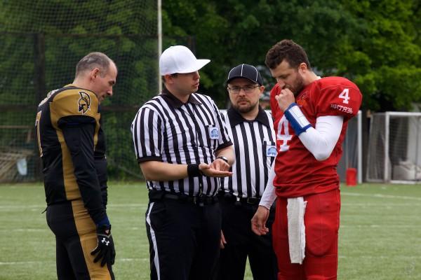 Referee Kirill Chekhov and umpire Vladimir Platonov on the coin toss
