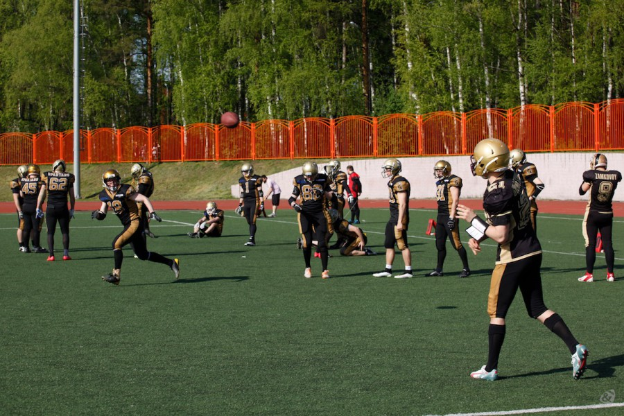 American football team Moscow Spartans on the pre-match warm-up