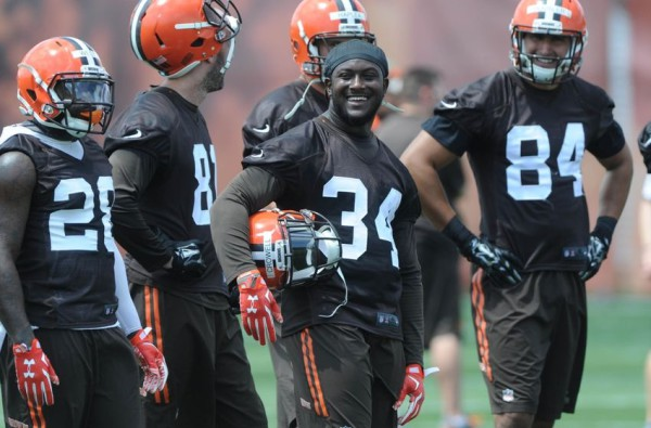 Jun 16, 2015; Berea, OH, USA RB Isaiah Crowell (34), RB Terrance West (28) TE Jim Dray (81), TE Rob Housler (84) during minicamp. Ken Blaze-USA TODAY Sports.