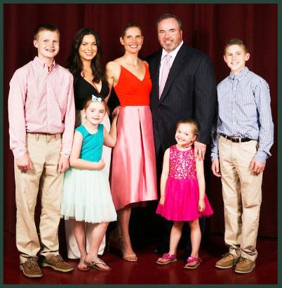 Будучи родителями пятерых детей Майк и Джессика Маккарти страстно поддерживают American Family Children's Hospital.