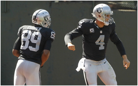 Amari Cooper and Derek Carr have become two cornerstones for the Raiders.(USATSI)
