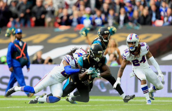 LONDON, ENGLAND - OCTOBER 25: T.J. Yeldon #24 of the Jacksonville Jaguars scores a touchdown during the NFL game between Jacksonville Jaguars and Buffalo Bills at Wembley Stadium on October 25, 2015 in London, England. (Photo by Stephen Pond/Getty Images)