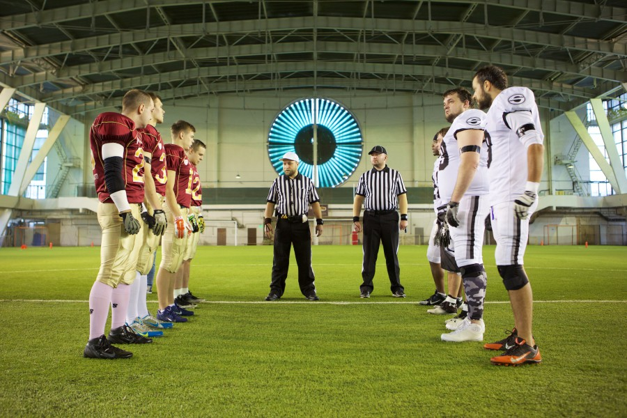 November 7, 2015 / Saint Petersburg, Russia / Teams and referee Dmitry Khaitovsky on the coin toss / © First&Goal (firstandgoal.ru) / Yuriy Marin