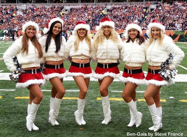 Bengals Christmas Cheerleaders