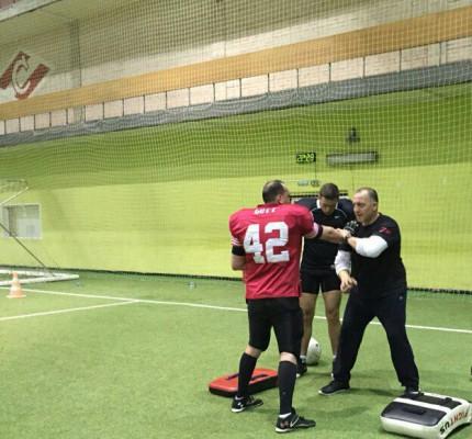 Итальянский специалист Коррадо Ди Мартино на тренировке команды. Фото: пресс-служба «Патриотов»