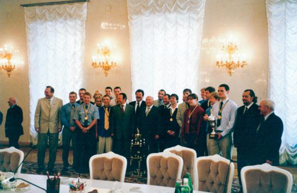 Сборная России на приеме у Юрия Лужкова. Фото из личного архива Дмитрия Максимова