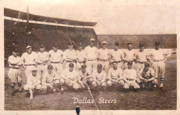 Далласские футболисты должны были называться в честь бейсбольной команды. Фото: Flickr.com